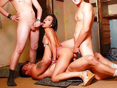 Incredible brown-haired bi-atch in torrid Double penetration appointment with trio hard-ons